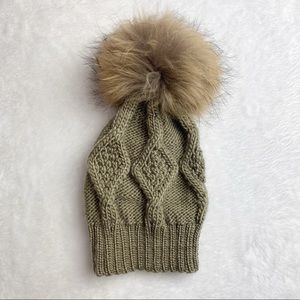 100% Wool Oversized Pom Pom Winter Hat